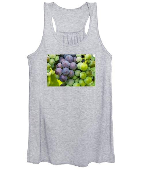 Wine Grapes Close Up Women's Tank Top
