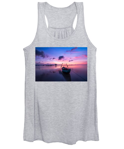Boat Under The Sunset Women's Tank Top