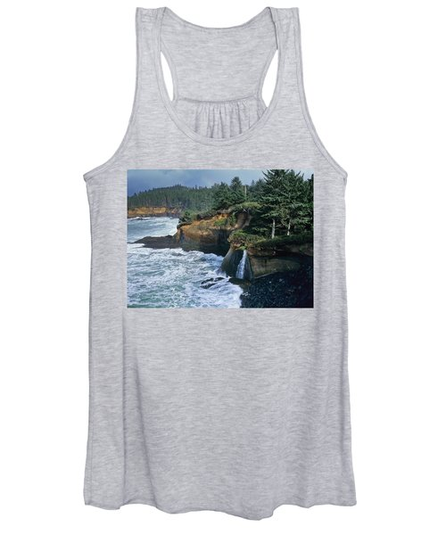 Cliffs Of Boiler Bay Women's Tank Top