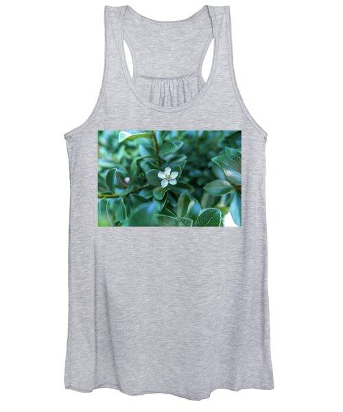 In The Garden Women's Tank Top