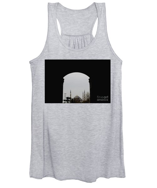 minarets in the city for the prayer of the Muslim religion Women's Tank Top