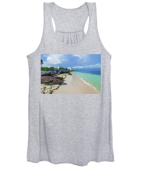 White Sandy Beach Of Cancun Women's Tank Top