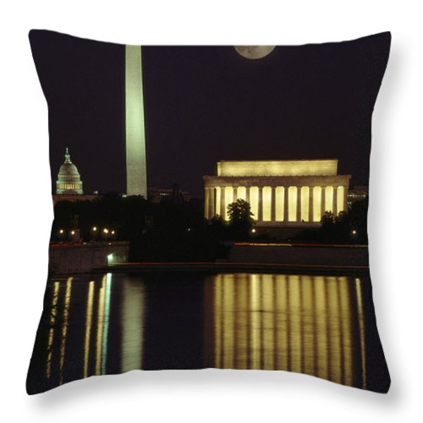 Moonrise Over The Lincoln Memorial Throw Pillow by Richard Nowitz