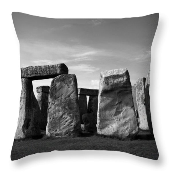 Stonehenge No 1 Bw Throw Pillow by Kamil Swiatek