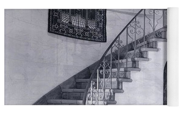 1920s Upscale Home Entry With Spiral Yoga Mat