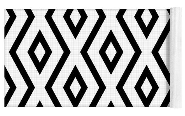 White And Black Pattern Yoga Mat