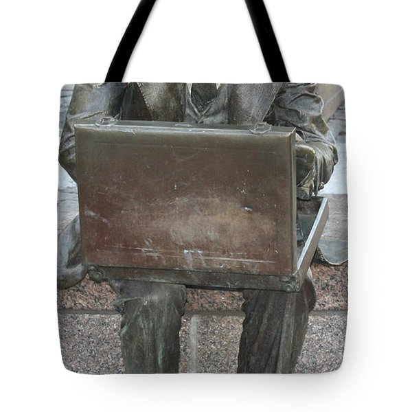 Tote Bag featuring the photograph  Wall Street Memorial Statue by John Telfer