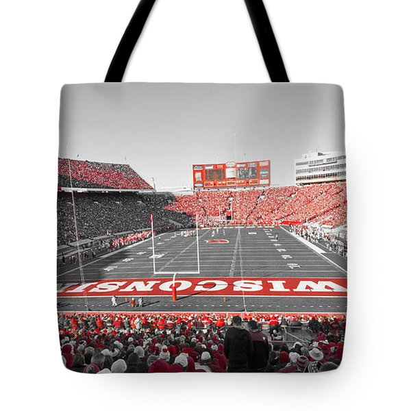 0095 Badger Football  Tote Bag