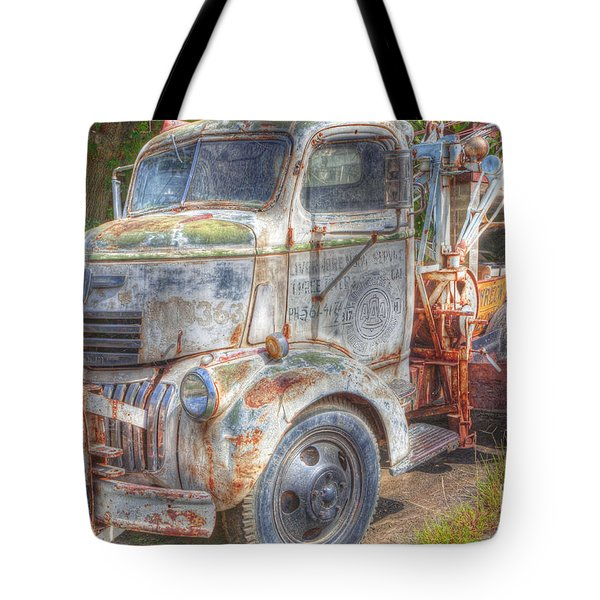 0281 Old Tow Truck Tote Bag