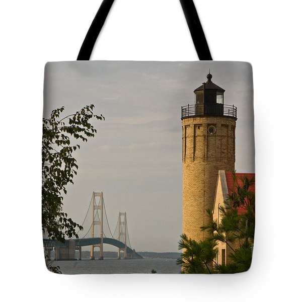 0558 Old Mackinac Point Lighthouse Tote Bag