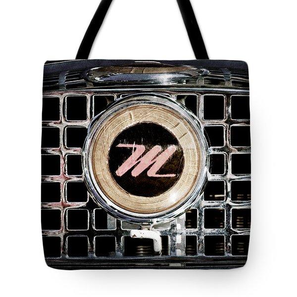 1958 Nash Metropolitan Grille Emblem Tote Bag