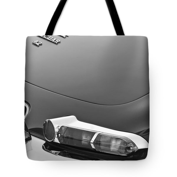 1967 Jaguar E-type 4.2 Liter Series 1 Roadster Taillight Tote Bag by Jill Reger
