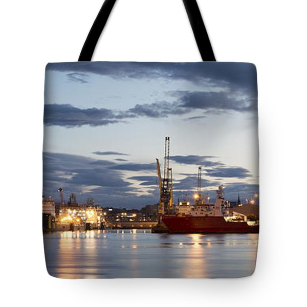 Aberdeen Harbour At Dusk Tote Bag