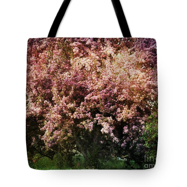 Beauty Tote Bag by Alana Ranney