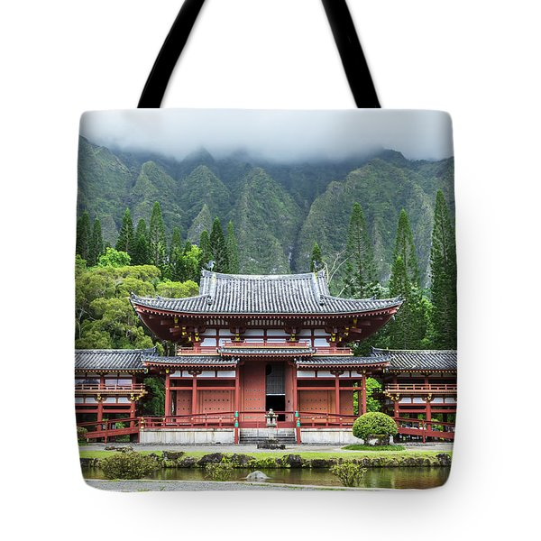 Tote Bag featuring the photograph Byodo-in Temple 1 by Leigh Anne Meeks
