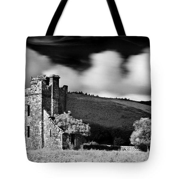 Castle Ruins / Ireland Tote Bag