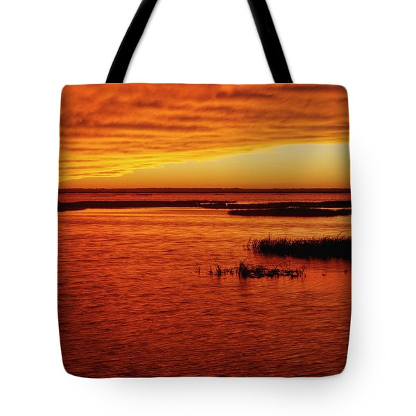 Tote Bag featuring the photograph Cheyenne Bottoms Sunset by Rob Graham