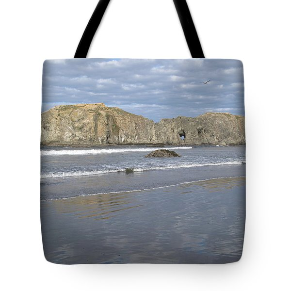 Tote Bag featuring the photograph Elephant Rock Blues by Suzy Piatt