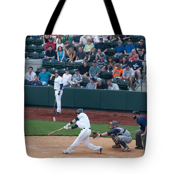 D24w-472 Huntington Park Photo Tote Bag