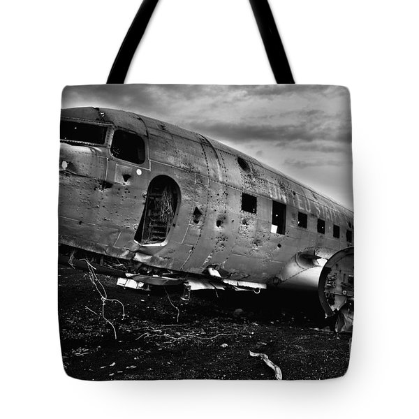 Tote Bag featuring the photograph Dc-3  by Gunnar Orn Arnason