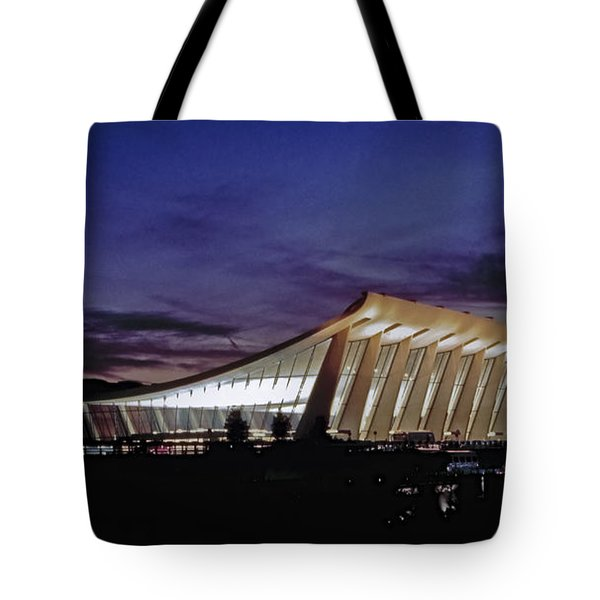 Dulles International Tote Bag