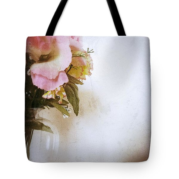 Grunge Flowers 4 Tote Bag