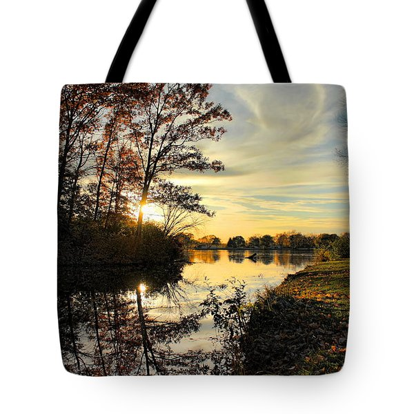 Tote Bag featuring the photograph Lake Wausau Sunset by Dale Kauzlaric