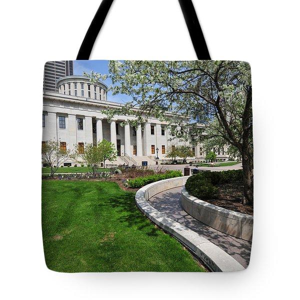 D13l-145 Ohio Statehouse Photo Tote Bag