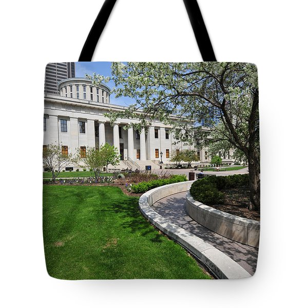 D13l-145 Ohio Statehouse Photo Tote Bag