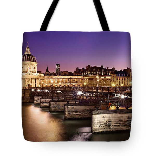 Pont Des Arts And Institut De France / Paris Tote Bag