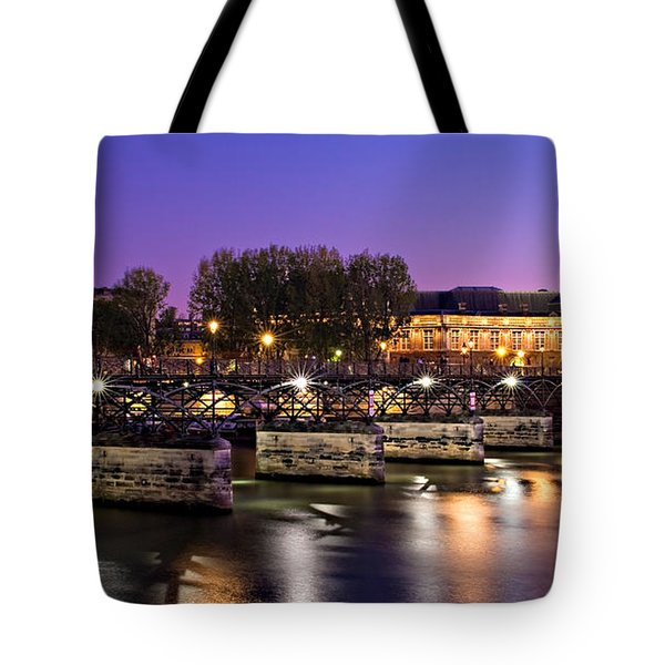 Pont Des Arts At Night / Paris Tote Bag