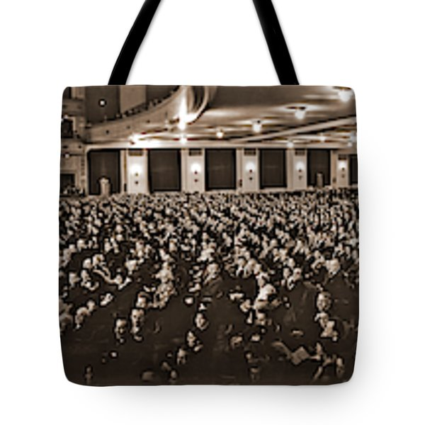 Post Opera - December 1927, The Newly Tote Bag