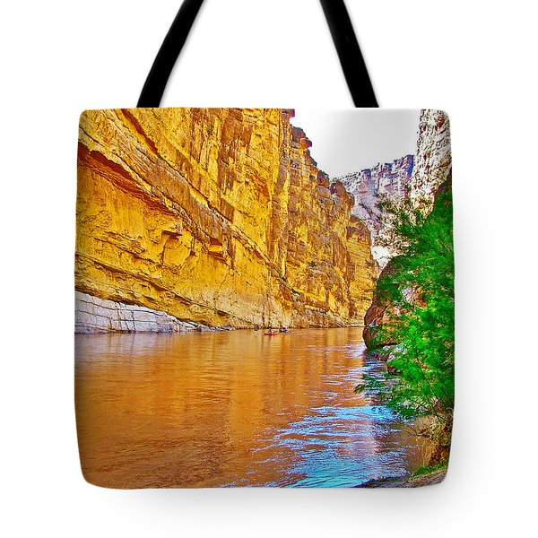 Rafting In Santa Elena Canyon In Big Bend National Park-texas Tote Bag