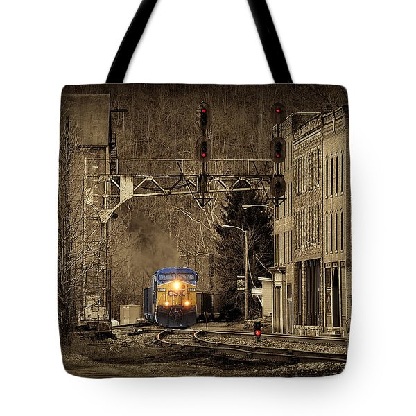 Train At Thurmond Wv Tote Bag by Dan Friend