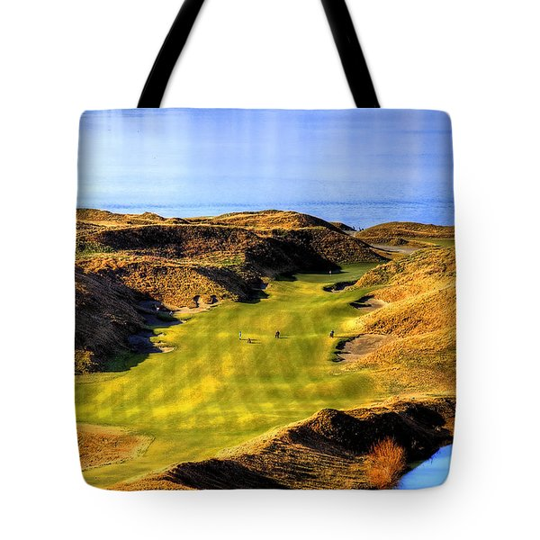 10th Hole At Chambers Bay Tote Bag by David Patterson
