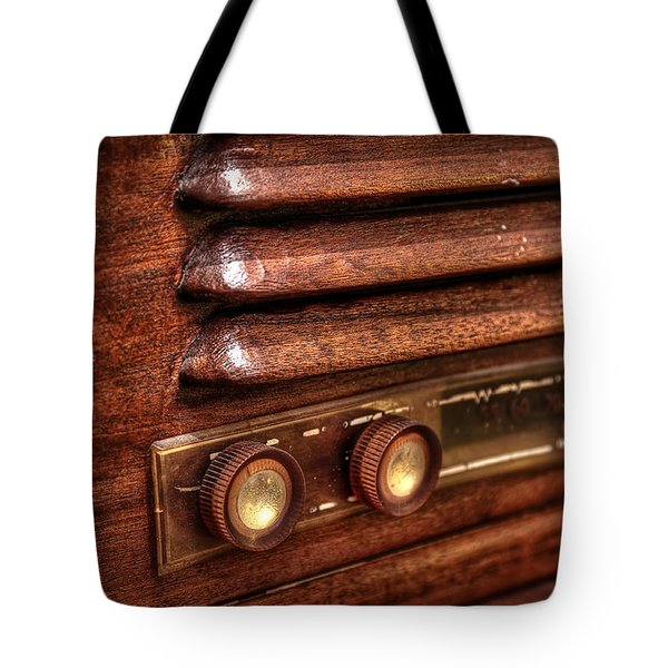 1948 Mantola Radio Tote Bag