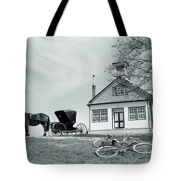 1950s Amish One-room Schoolhouse At Top Tote Bag