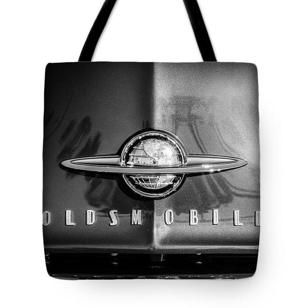 1958 Oldsmobile Grille Emblem -0236bw Tote Bag