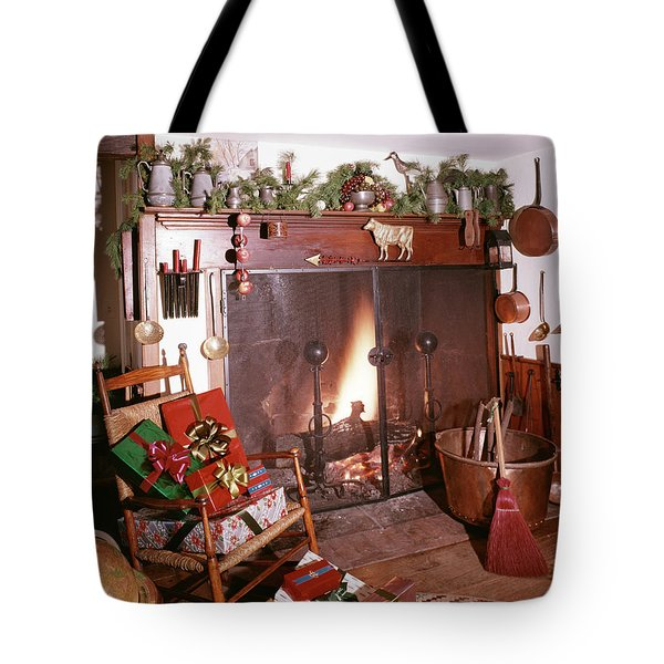 1960s Early American Style Christmas Tote Bag