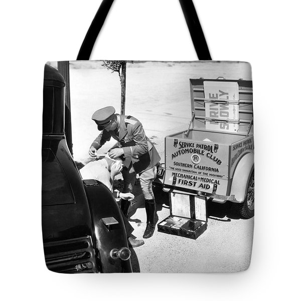 Auto Service Patrol Gives Aid Tote Bag