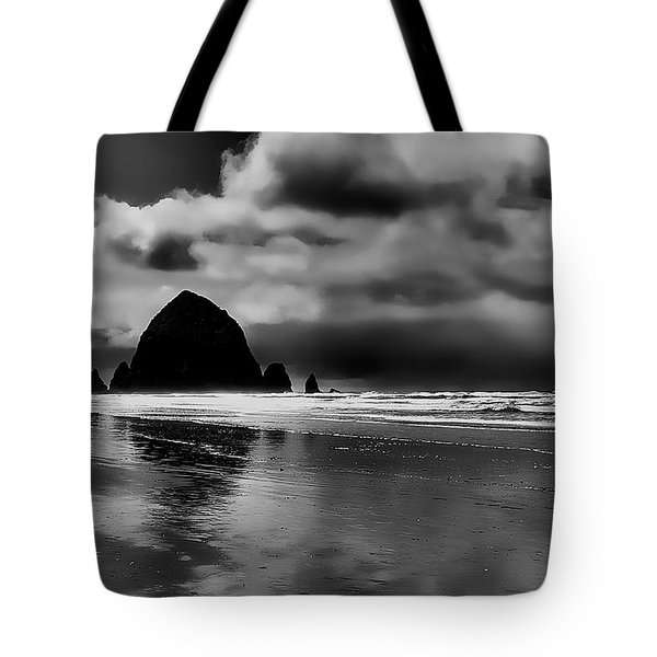Cannon Beach - Oregon Tote Bag by David Patterson
