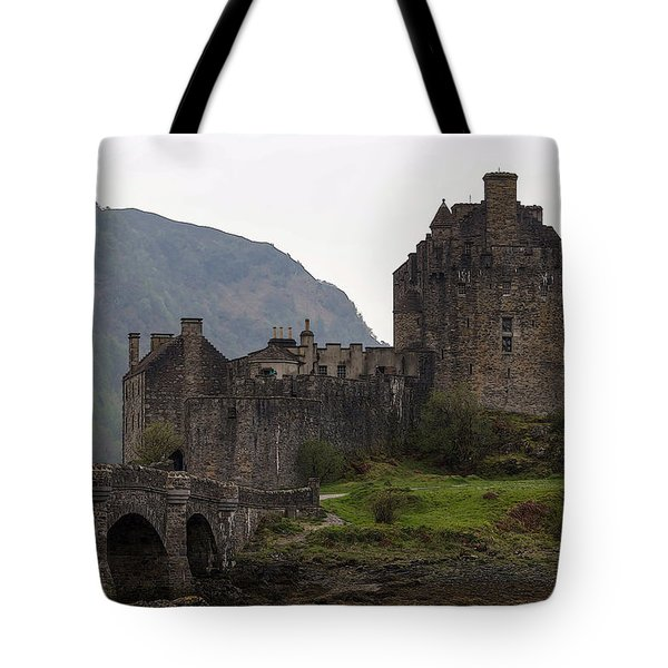 Cartoon - Structure Of The Eilean Donan Castle With A Stone Bridge Tote Bag