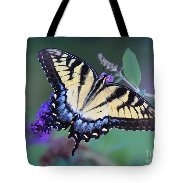 Eastern Tiger Swallowtail Butterfly On Butterfly Bush Tote Bag