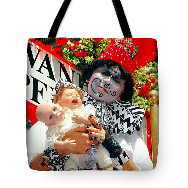 Tote Bag featuring the photograph 2 Heads Are Better Than One by Ed Weidman