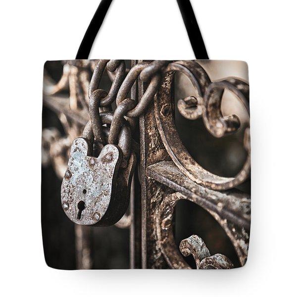 Keyless Tote Bag