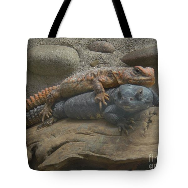 Tote Bag featuring the photograph Lizard Love by Carla Carson