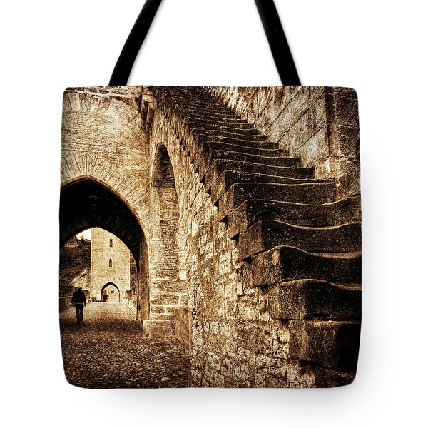 Tote Bag featuring the photograph Pont Valentre / Cahors by Barry O Carroll