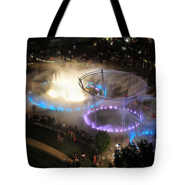 D101l-216 Scioto Mile Riverfront Park Fountain Photo Tote Bag