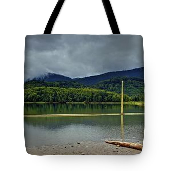 Sunny Beach Point Tote Bag