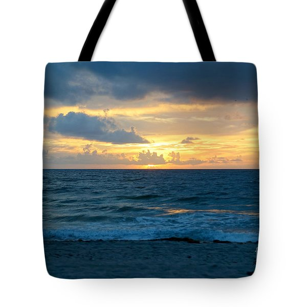 Tote Bag featuring the photograph Sunrise In Deerfield Beach by Rafael Salazar